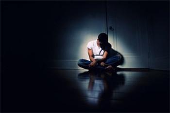 抑郁症病因到底是怎样的